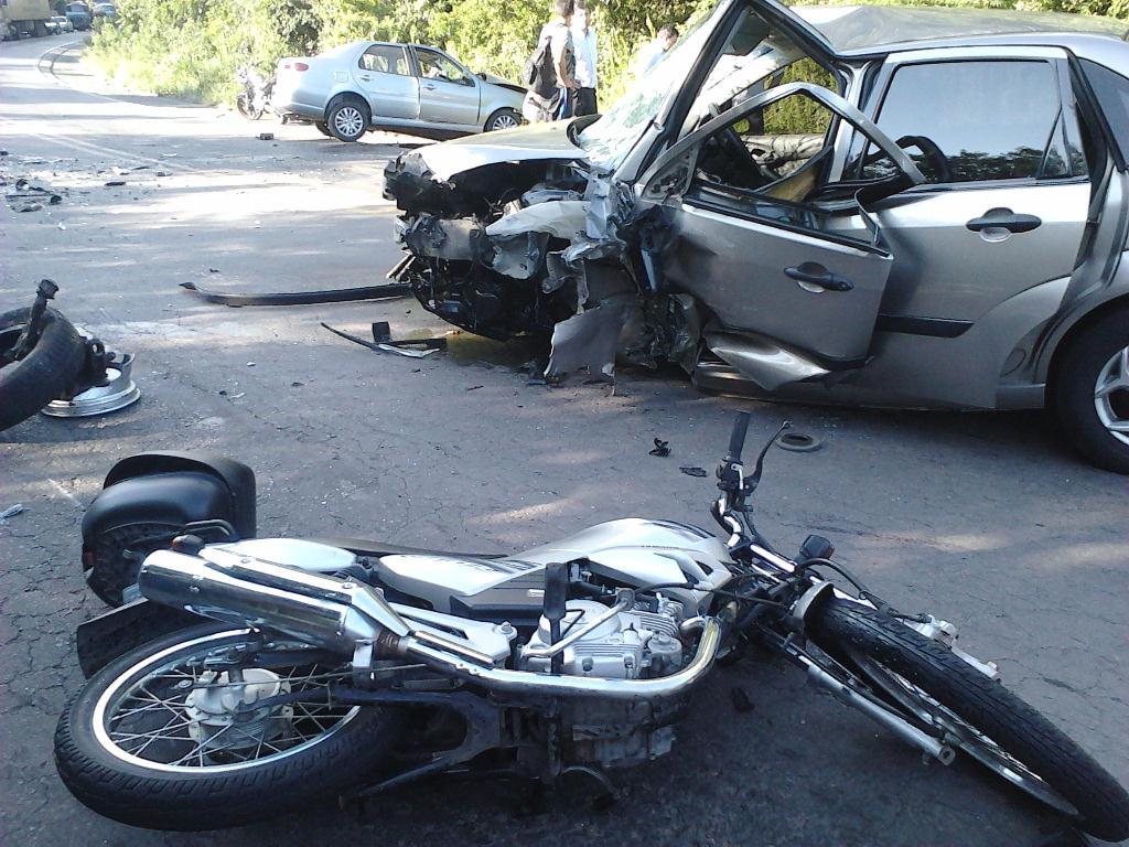 http://www.samservicos.com.br/wp-content/uploads/2013/12/acidentes-no-transito-sam-servicos.jpg